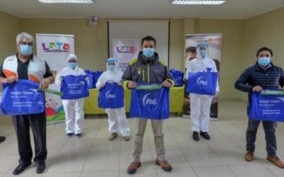 P&G Chile honra a los trabajadores de la salud donando productos de higiene