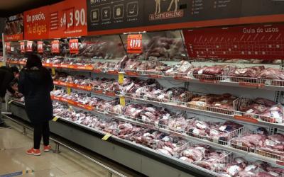 Walmart Chile refuerza medidas sanitaras en supermercados y anuncia nueva iniciativa de congelamiento de precios
